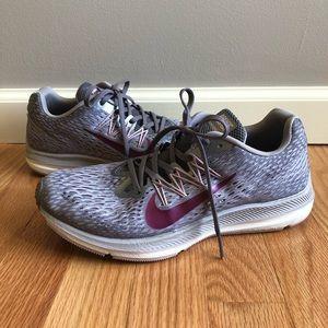 Nike Zoom Winflo 5 Grey/True Berry Running Sneaker